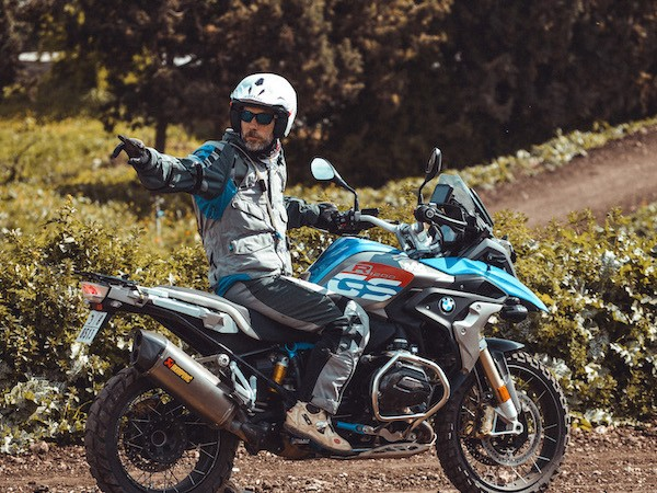 Learn to ride BMW GS with wheels of morocco